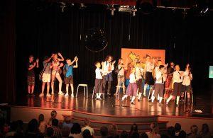 Een scène uit de musical van De Wichelroede